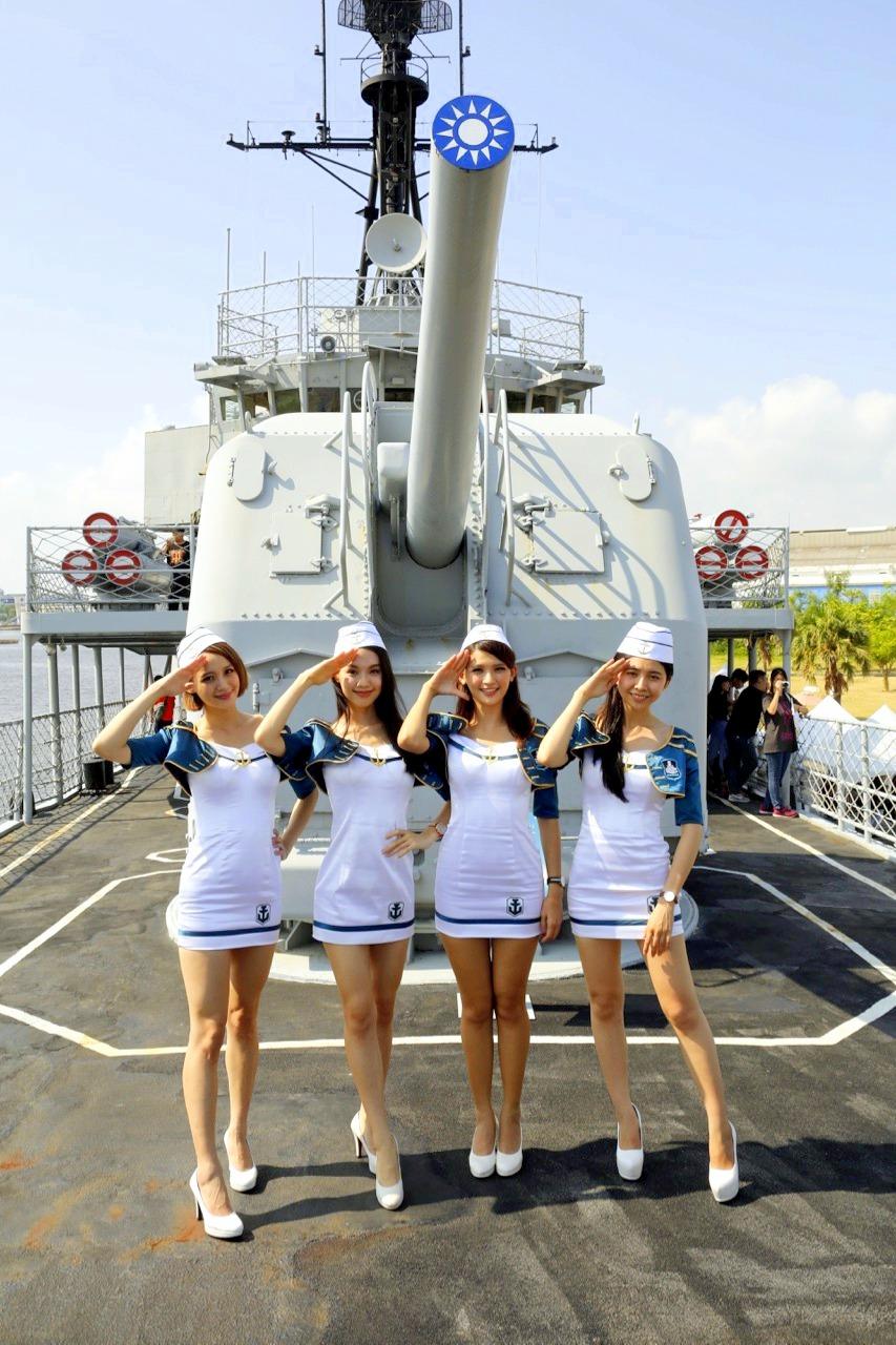 軍艦、美女和帥哥:走訪《戰艦世界》上市的情熱陽光和堅強意志
