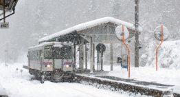 只為一個女子高生服務的車站?關於上白瀧車站存廢的美麗、鄉愁和真假